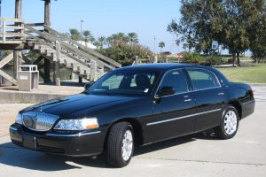 Lincoln Livery Limousine Luxe Limousine LLC New Orleans