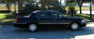 The Lincoln Town Car Sedan Perfect For the Traveling Executive